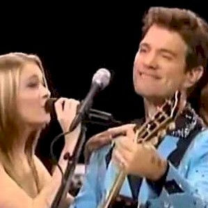 ISAAK, Chris & LeAnn Rimes - Devil In Disguise (Live)